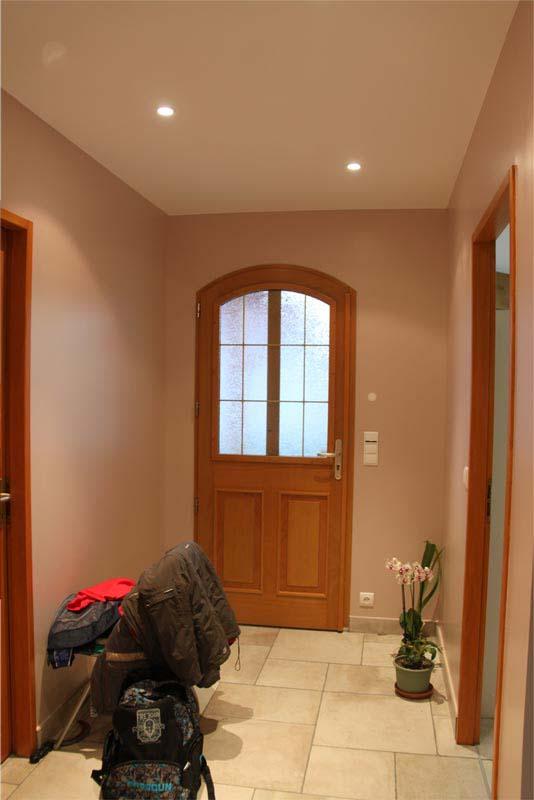peinture hall d entre hall d entree peinture luminaire boule luminaire boule mezzanine et. Black Bedroom Furniture Sets. Home Design Ideas